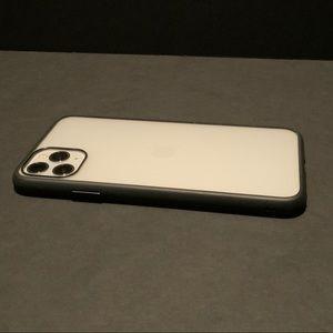 Thin iPhone Pro Max case